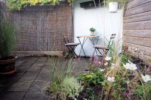 gerestylede tuin om het huis sneller te verkopen